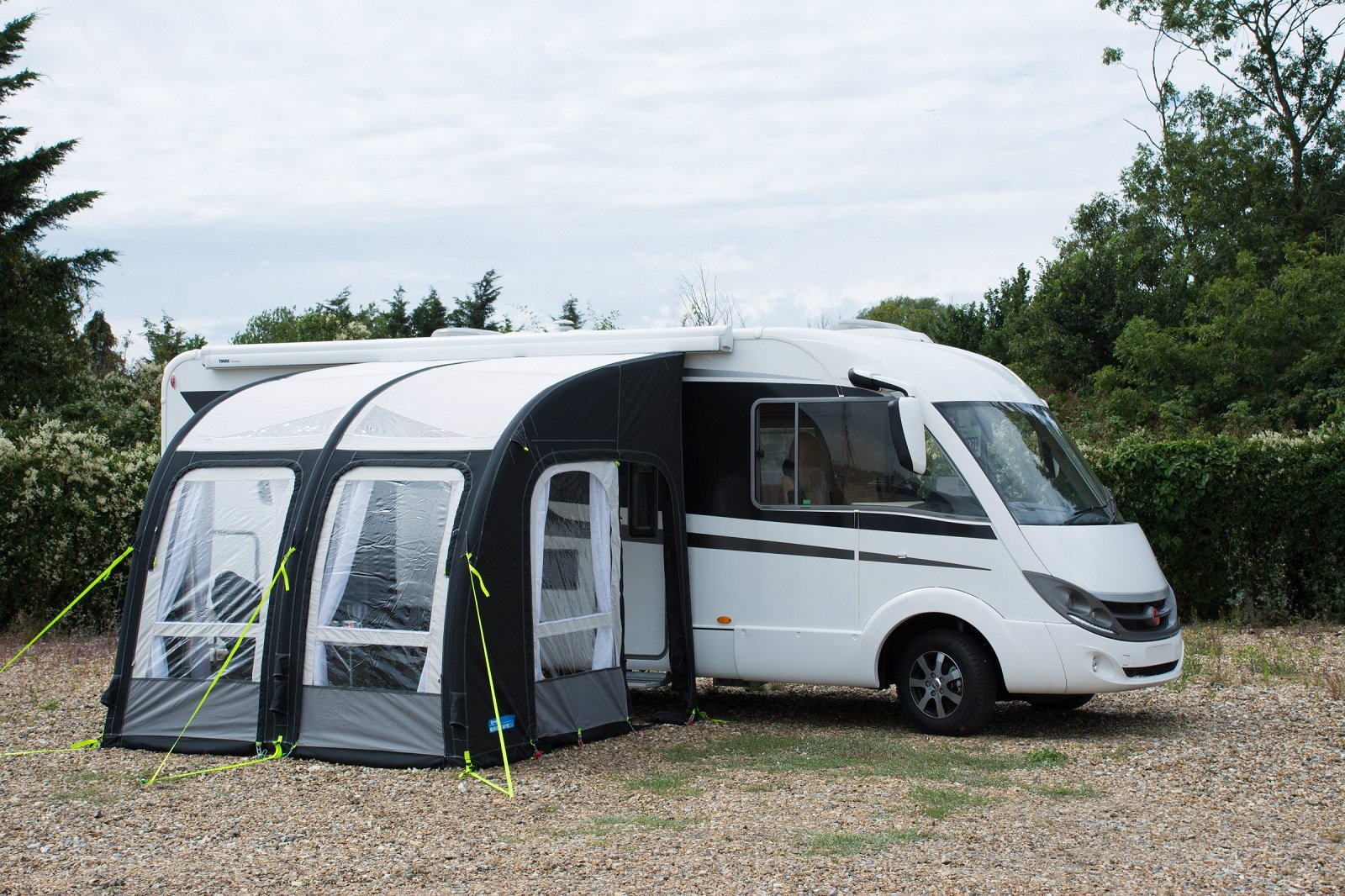 Kampa motor rally air pro t ltv rlden for Auvent gonflable kampa pour camping car